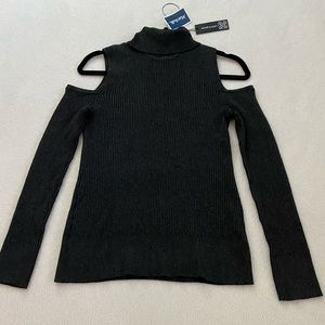 NWT NEW Cable and Guage turtle neck sweater